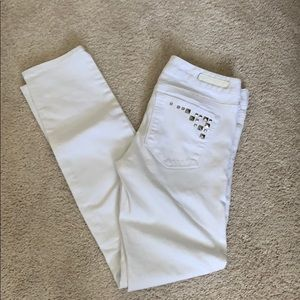 ⬜️HP⬜️ Size 0 Ankle Skinny White Express Jeans